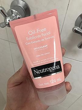 Foto de Neutrogena Oil Free Exfoliante Facial con Extracto de Toronja