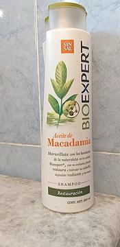 Foto de BioExpert Shampoo Restauración Advanced Repair