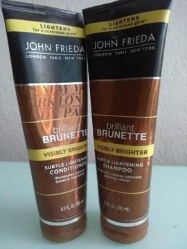 Foto de John Frieda BRILLIANT BRUNETTE. Visibly Brighter Shampoo