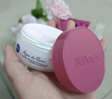 Gel Crema Hidratante Facial Con Agua De Rosas