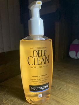 Limpiador facial Deep Clean