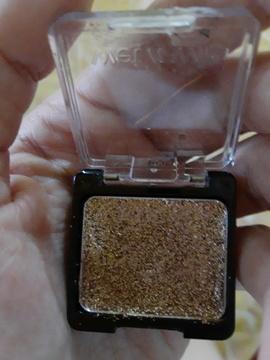 Foto de Wet n Wild Color Icon Eyeshadow Glitter Single 352B