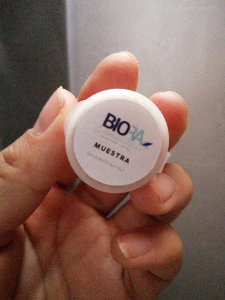 Biora Dermatika - Exfoliante Nut Nut 100 ml