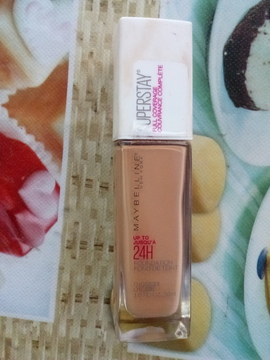 Foto de Maybelline New York Superstay Full Coverage Foundation