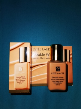Double Wear Maquillaje de Larga Duración