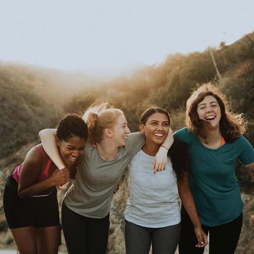 empoderamiento femenino, biutest, amigas