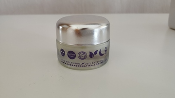 Crema Facial 2 en 1 (Despigmentante y Antiedad)