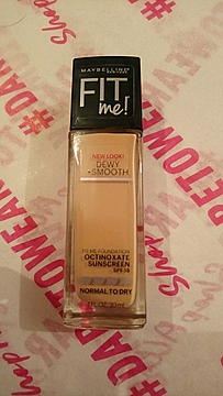 Foto de Maybelline New York Fit Me Dewy + Smooth Foundation