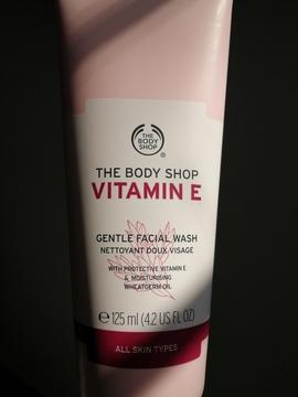 The Body Shop - Limpiador Facial Suave Vitamina E