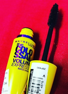Foto de Maybelline New York The Colossal Indesstructible