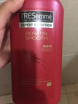 Foto de TRESemmé Shampoo Kerathin Smooth