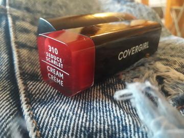 Foto de Covergirl Colorlicious Lipstick