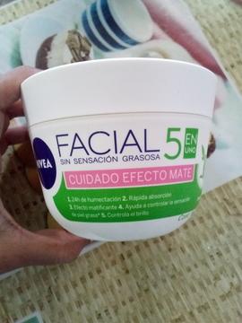 Foto de Nivea Crema Cuidado Facial Efecto Mate 375Ml